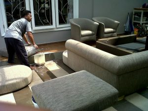 cuci sofa benda