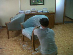 cuci sofa cisarua